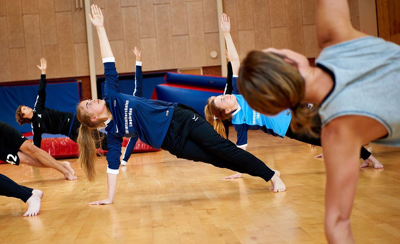 fysisk træning på fitnessefterskole
