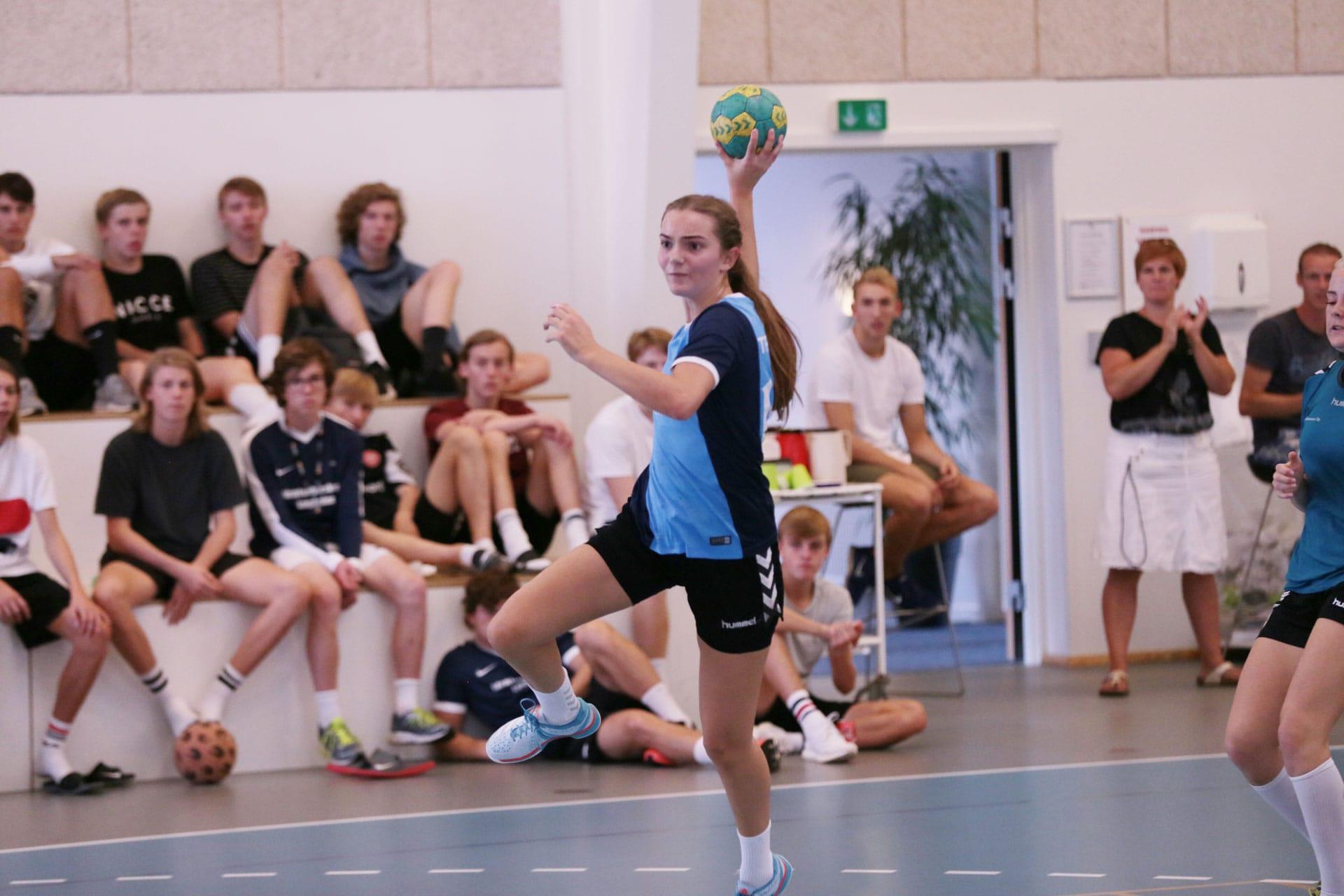 håndbold på en sportsefterskole