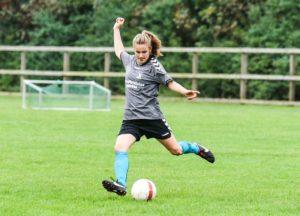 Fodboldefterskole piger