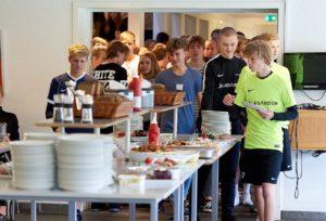 mad i kantinen, idrætsefterskole
