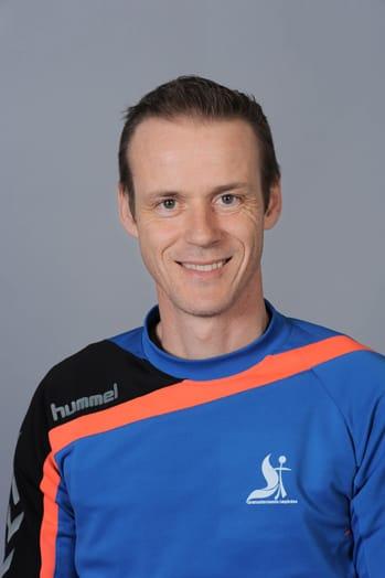 Peter Gade - Fodboldunderviser